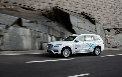 Tamamen otonom Volvo XC90 yollara çıkıyor