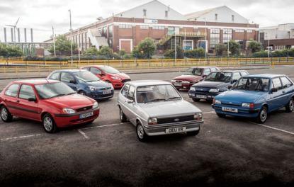 YILDÖNÜMÜ . 41  yaşındaki otomobiller