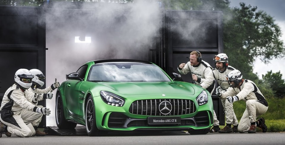 577 HP�lik Mercedes-AMG GT R