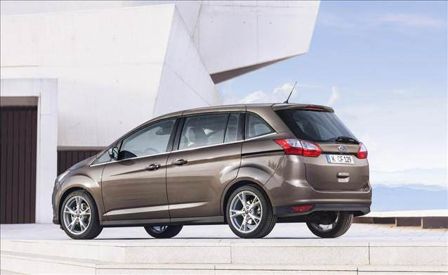Ford c max e 2015 cilası