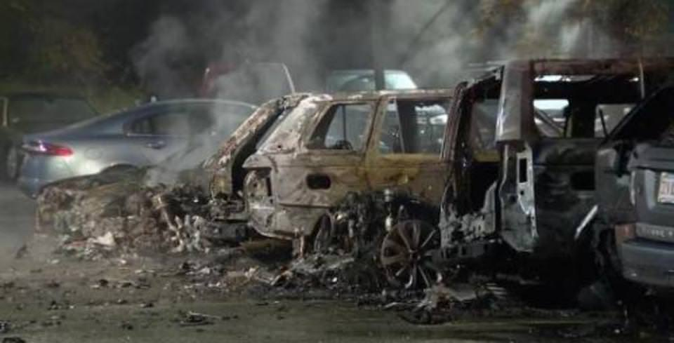 Land Rover ve Jaguar�lar Yang�nda K�le D�nd�