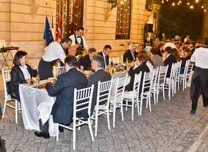 Fransız Sarayı'nda iftar daveti