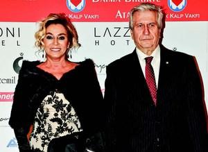 Türk Kalp Vakfı için özel defile