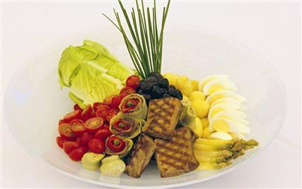 Ton Balıklı İspanyol Salatası