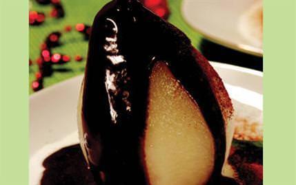Çikolata Soslu Armut Tatlısı