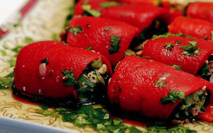 Kırmızı Biberli Rulolar