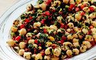 Doyurucu bakliyat salataları