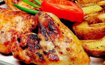 Mangal tadında nefis acılı tavuk kanatlarını evinizde yapın
