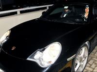 Kad�na Porsche yak���r