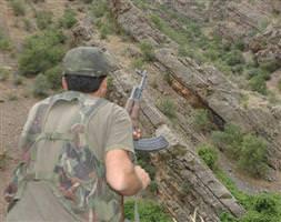 Askeri birli�e taciz ate�i
