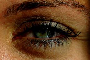 Göz tansiyonu kal�c� körlük nedeni