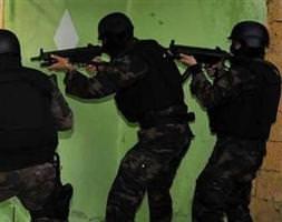 7 terörist silahlar�yla birlikte yakaland�