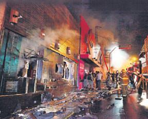 250 kişi diri diri yandı