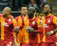 Galatasaray i�i ilk yar�da bitirdi!