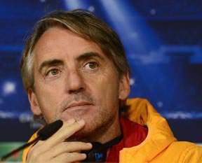 Kozak'tan Mancini sorusu: Neden otelde kal�yor?
