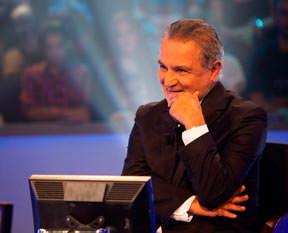 Emekli albay 1 milyona yak�n