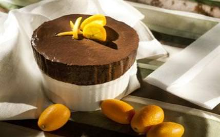 Çikolatal� So�uk Sufle Kaplar� Tarifi