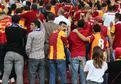 Galatasaray taraftar� TFF'yi protesto etti
