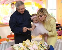 Aziz Y�ld�r�m k�z�n�n birinci ya� gününü kutlad�