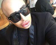 100 bin sterline Kim Kardashian oldu(!)