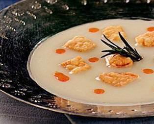 Yoğurtlu Tutmaç Çorbası Tarifi