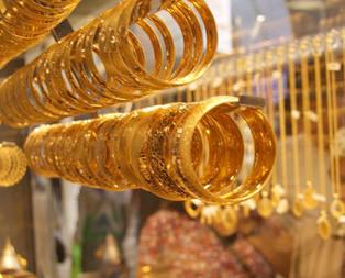 Altın normalden 3 lira düşük işlem görüyor