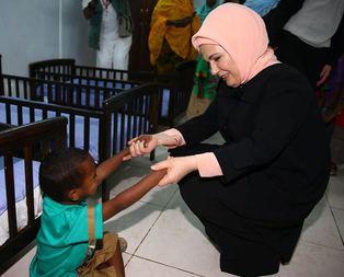 First Ladyye Tayyip ve Emine bebek sürprizi
