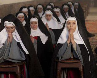 İtalya bu rahibeyi konuşuyor!