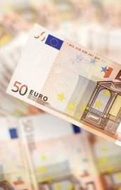 Euro tepetaklak oldu