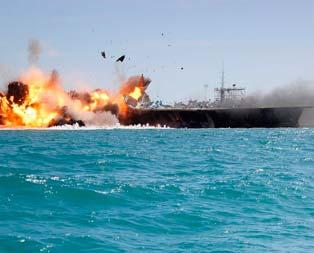ABD gemisini parçaladılar