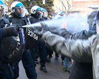 Kanada polisinden eylemcilere orantısız güç!