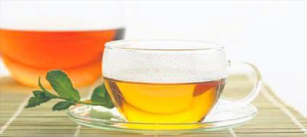 Yemek yerken çay içmeyin