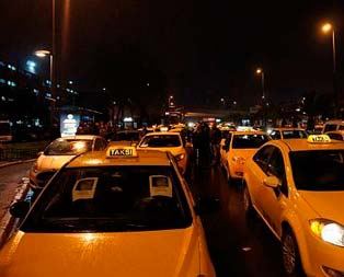 Üniversiteli taksici geliyor