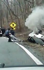 Patlayan araçtan son anda kurtarıldı