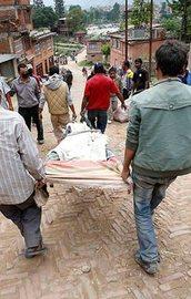 Nepalde ölü sayısı 7 bini geçti