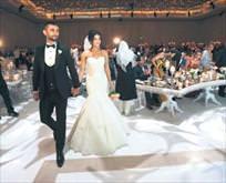 Bizim düğünümüz ay sonunda!
