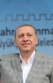 Erdoğan: Sisi bir darbecidir