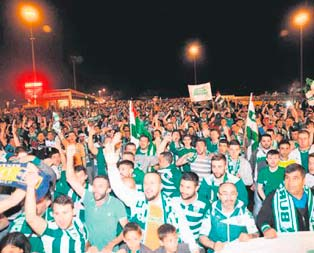 Bursaspora Topçularda müthiş karşılama!