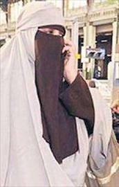 Hollandada burka yasağı