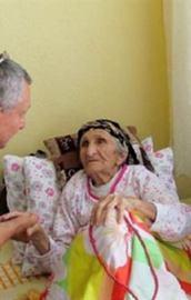 Doktorla 111 yaşında tanıştı