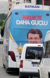 AK Parti seçim otobüsüne silahlı saldırı