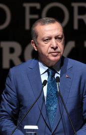 Erdoğan: Ya sen kimsin, haddini bil !