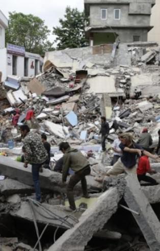 Nepal'de çok şiddetli deprem