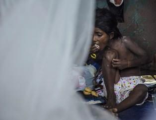 Rohingyalı Müslümanlar Ölüyor
