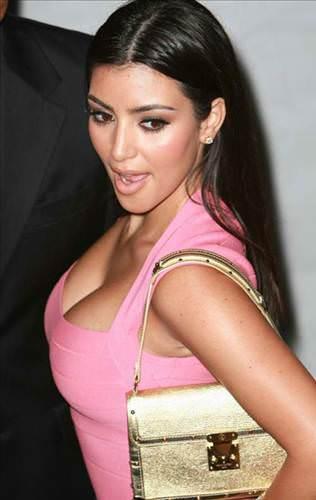 14 d d - Kim Kardashian