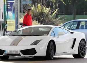 En pahalı futbolcu arabaları