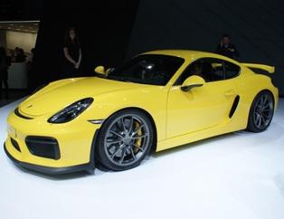Porsche Cayman GT4, y�z�n� g�sterdi