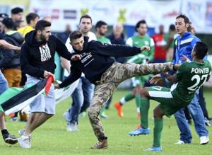 İsrail takımını tekme tokat dövdüler