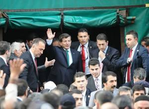 Bursa'da Ahmet Davuto�lu izdiham�
