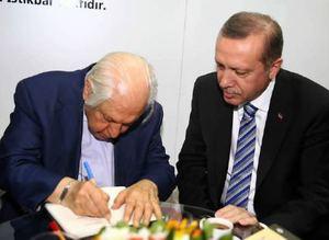 Cumhurba�kan� Erdo�an T�RGEV�i ziyaret etti